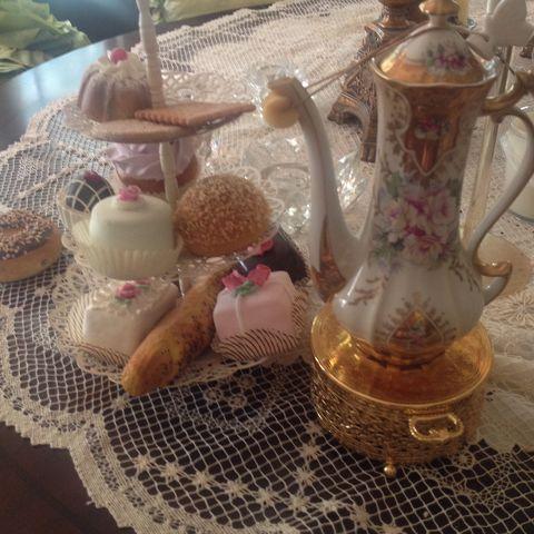 Uniquely Yours Tea Room
