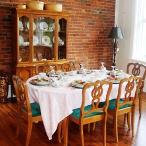 Laura S Tea Room